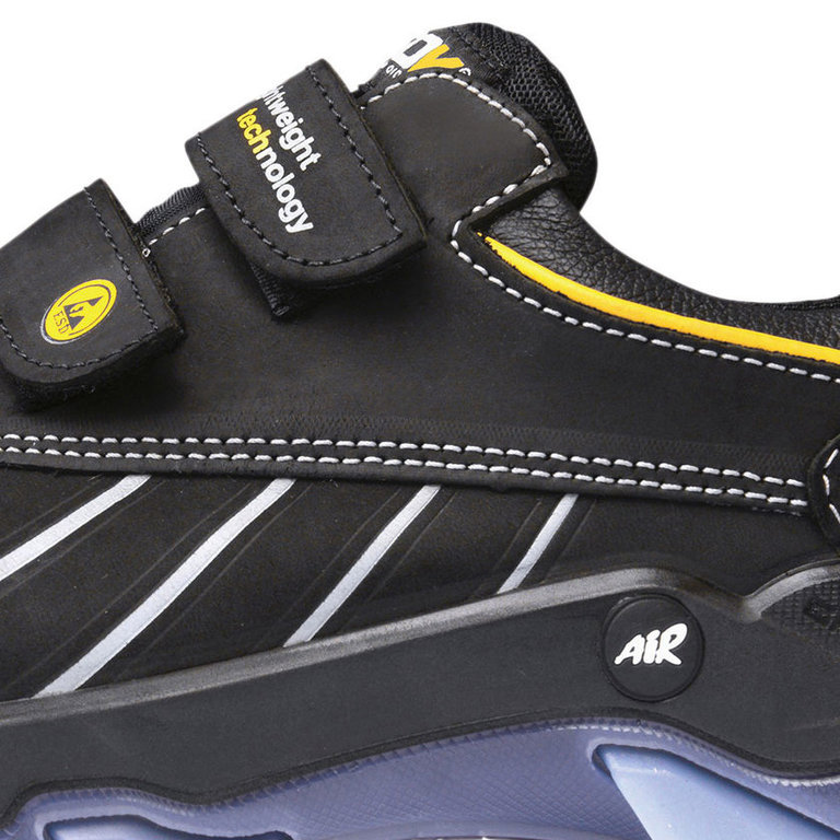 Safety shoes with velcro