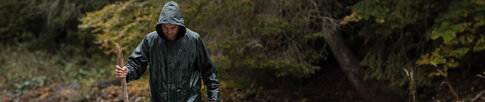 Let us show you in our guide how easy it is to find the right rain jacket for your activity.